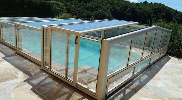 Abri angulaire pour piscine