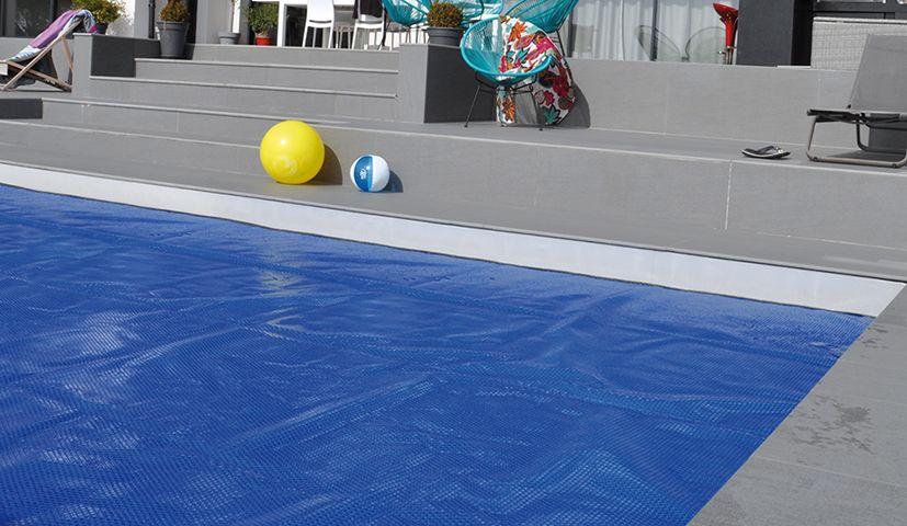 Couverture à bulles pour piscine