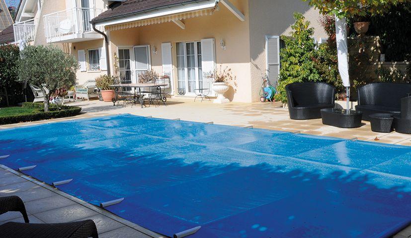 Couverture de piscine barres top couverture piscine - Couverture automatique de piscine ...