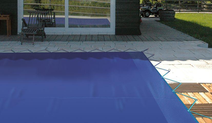 Couverture opaque pour piscine